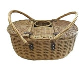 Vintage Wicker Picnic Basket Wine Bottle Carrier Tote, Vintage Wicker Picnic Basket, Leather hinges, Dual lid