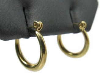 "14k Yellow Gold 5/8"" Hoop Earrings"