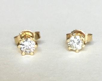 1/3 cttw diamond stud earrings 14k gold very clean