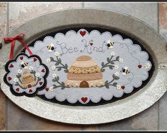 Bee Kind~Bee Hive with Daisies Penny Rug/Wool applique Table Mat Tray Mat with Mini Mat MAILED PAPER PATTERN