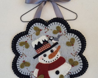 Frosty Friends~Snowman Mini Mat/Wall hanging/Mug Rug MAILED PATTERN