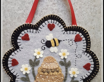 Bee Kind~Bee Hive & Daisies Mini Mat pattern MAILED PATTERN