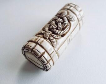 Charming Japanese hand carved cattle bone bracelet//bangel lovely tortoise figure