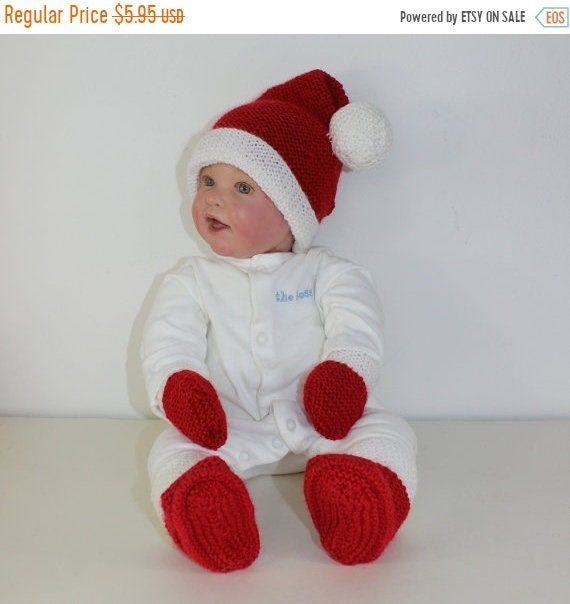 HALF PRICE SALE madmonkeyknits Baby Santa Hat Booties and | Etsy