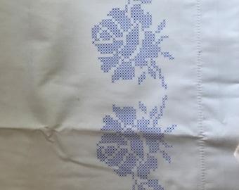 1990s Herschners Stamped Cross Stitch Pillow Case Pair 11-9573/9588 Rosetta Pattern