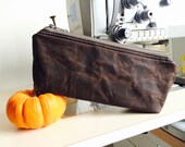 Waxed canvas pouch,waxed canvas bag, gift for him, gift for her, brown travel pouch, zipper pouch, christmas gift pouch