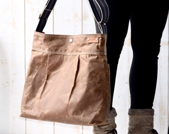 Vegan Diaper bag with waxed canvas and Crossbody Strap / Vegan Messenger bag with waxed canvas fabric ikabags 3 Way