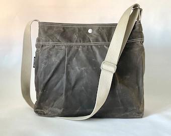 Waxed Canvas bag in Khaki Green , Green Waxed bag, Vegan Diaper bag, Crossbody bag IKABAGS
