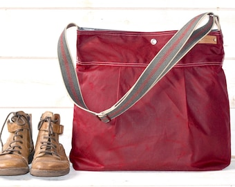 June Birthday Gifts, Waxed Canvas bag, Diaper bag, Gift for wife, Messenger bag, Nappy bag, GarnetTote, Travel bag, Gift for her