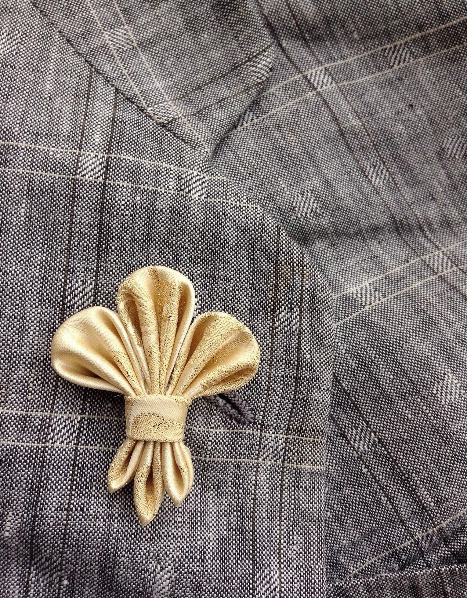 Pin De Mata Perros En X En 2019: Custom Lapel Pins Mens Lapel Pin Flower Lapel Pin Fleur De Lis