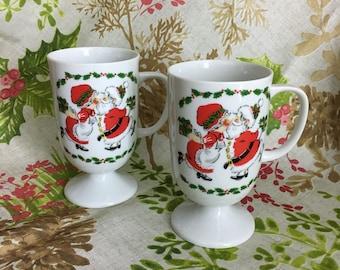 Vintage Christmas Mug Set Santa and Mrs Claus MERRY KISSMAS Coffee Cup 1980 Pedestal 2