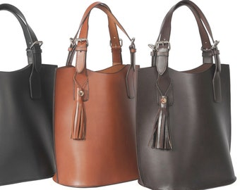 Leather Shoulder Tote / Stunning Saddle Leather Handbag / Made in America / Equestrian Fashion
