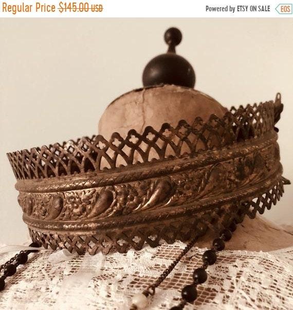 SALE 50 OFF Vintage Crown