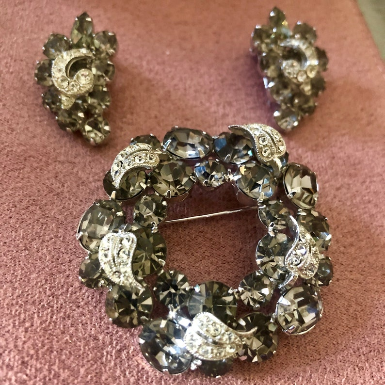 Vintage Costume Jewelry WEISS image 0
