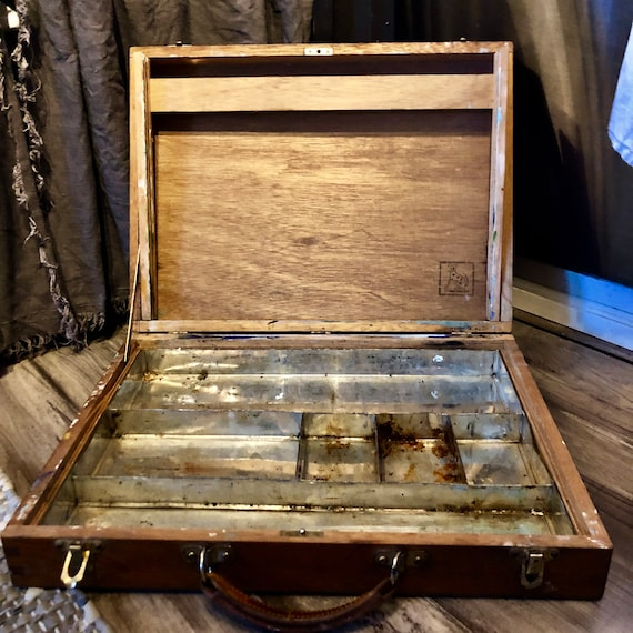French, Artist Paint Box