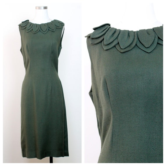 1960s Green Shift Sleeveless Dress with Petal Neck