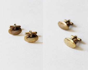 Vintage Men's Gold Embossed Oval Cuff Links
