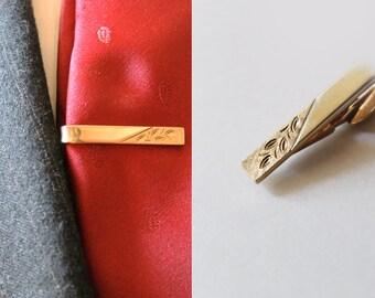 Vintage Men's Shields Gold Rectangular Embossed Leaf Tie Clip
