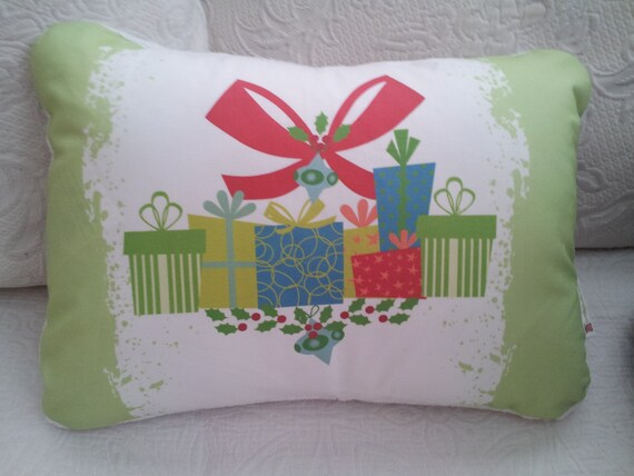 Holiday Pillow Cover - READY to SHIP Tie Dye Pillow Cover , Christmas Pillow Cover, Decorative Pillow, Christmas Gift