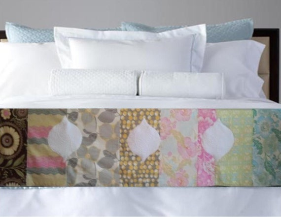 Midwest Mod Quilt Bed Scarf with Bulb Applique - Amy Butler Designer fabrics / READY to SHIP