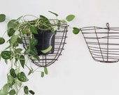 Vintage metal wire wall basket planter | houseplant indoor plant container