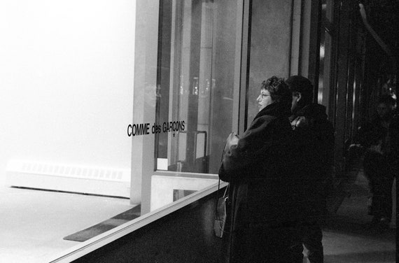 Window shopping | Comme De Garcons | New York City | 1994 | Fine art photography | Black and White print