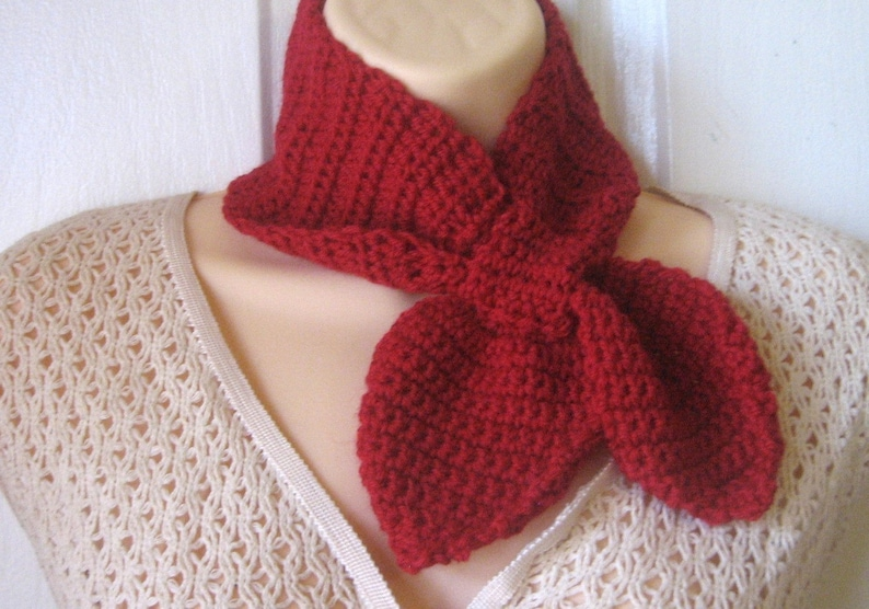 Crochet Pattern Ascot Scarf   Permission to sell finished image 0