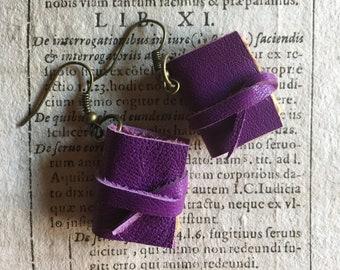 Mini book earrings, violet