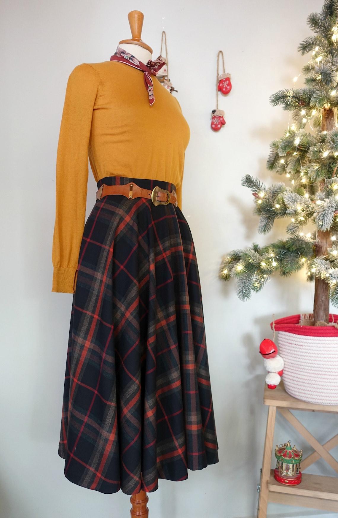 1950s Swing Skirt, Poodle Skirt, Pencil Skirts Swell Dame Custom made plaid circle flannel skirt $95.95 AT vintagedancer.com