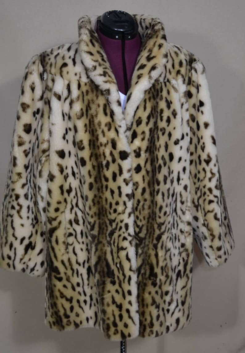 fb3994e8558c Vintage Faux Cheetah Fur Coat by Dubrowsky & Perlbinder | Etsy