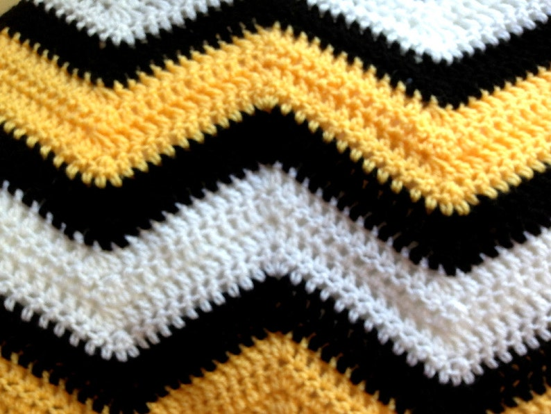 new chevron zig zag baby blanket afghan wrap crochet knit ripple stripes VANNA WHITE yarn bumblebee bee yellow black photo prop handmade USA