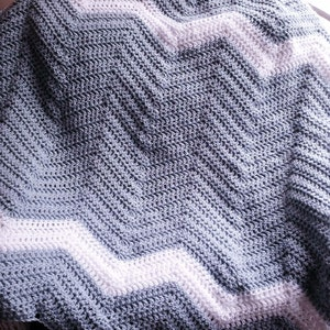 CROCHET lace wavy ripple baby nursery toddler SOFT blanket afghan wrap handmade variegated bright pink white girl new