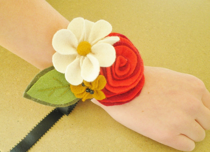INSTANT DOWNLOAD  Felt Flower Corsage and Bouquet PDF Pattern image 0