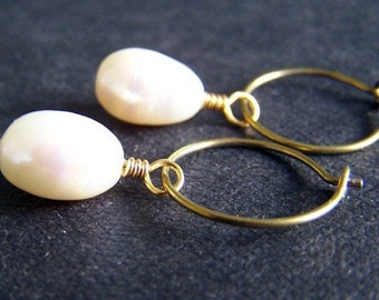 Niobium Earrings - Niobium Hoop Earrings - Niobium Pearl Earrings - Pearl Earrings - Gold Earrings - Hypoallergenic Earrings - Hoop Earrings