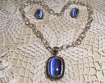 Vintage Jewelry Set Blue Fiber Optic Stone Set in Silver with New Silver Chain Post Earrings
