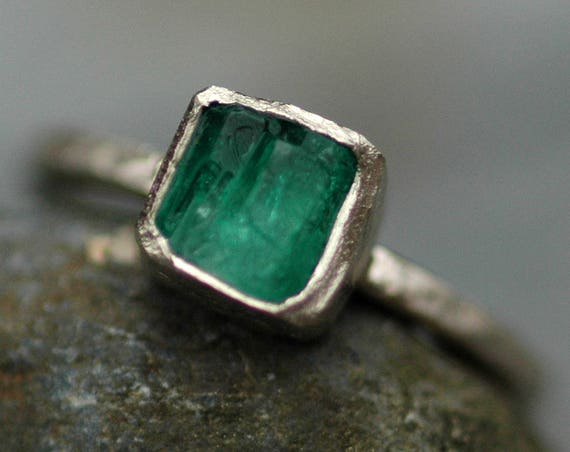 Rough Raw Uncut Emerald on 14k or 18k  White, Yellow, or Rose Gold Ring- Hammered Band- Made to Order Custom Ring