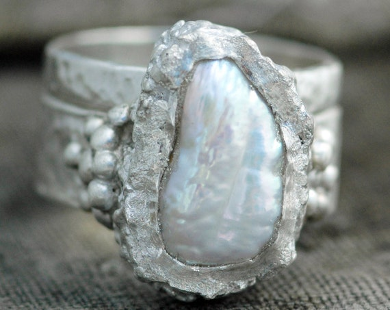 Bridal Set- Biwa Baroque Pearl in Textured Sterling Silver Two-Ring Set