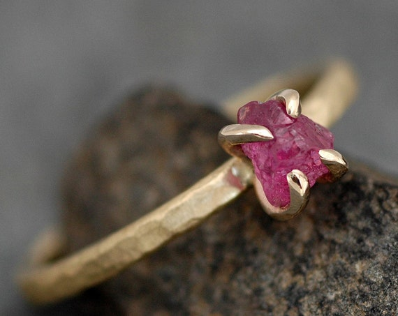 Uncut Rough Raw Ruby on 18k Recycled Yellow Gold Hammered Narrow Band- Ready to Ship Size 5 ring
