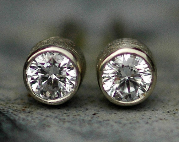 Brilliant Cut VS White Diamonds 2.5mm in 14k Yellow or White Gold with Brushed Finish- Made to Order