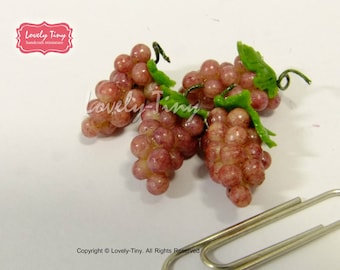 Dollhouse miniature Fruit:4 pieces (bunches) of Red Grape, Fresh and Realistic