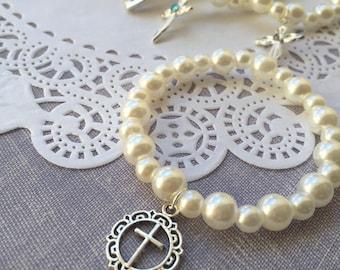 Baptism jewelry, pearl bracelet, stretchy bracelet, kids jewelry, cross bracelet, first communion. SET of ONE.