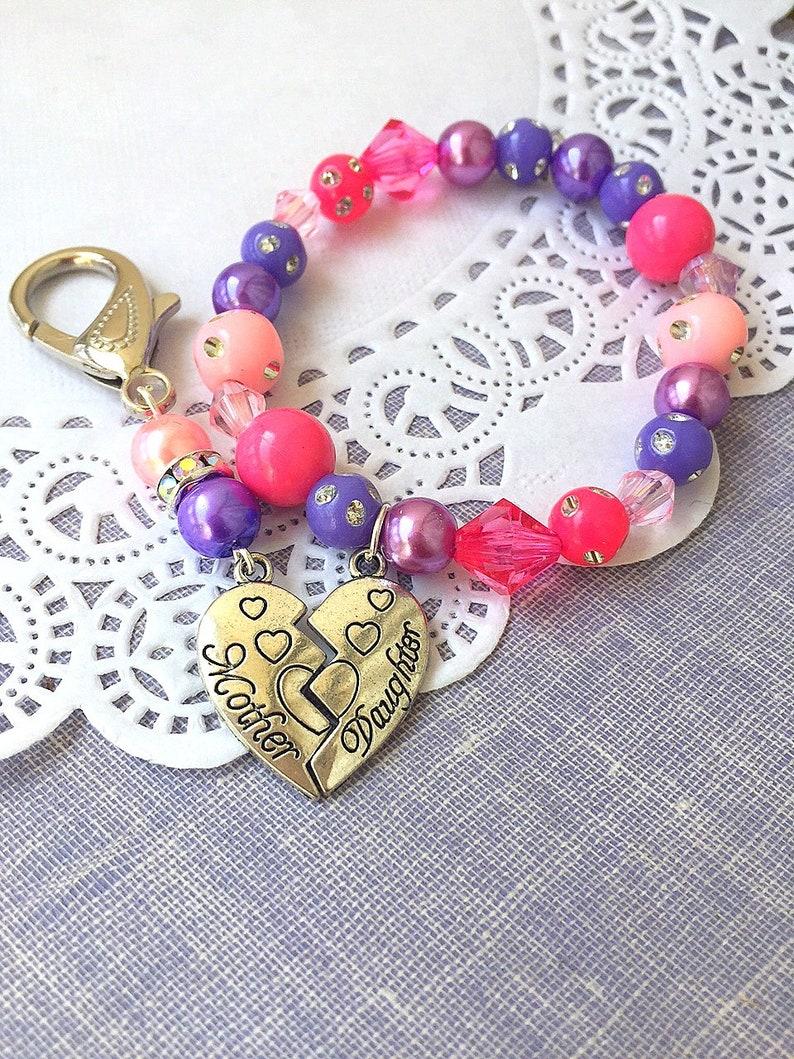 Mother Daughter set Mom keychain daughter bracelet pink image 0