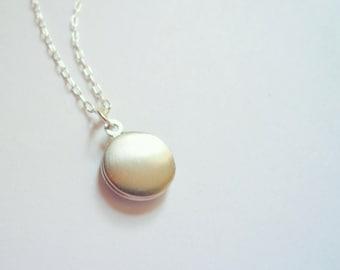 Tiny silver locket necklace Sterling silver chain Small locket Little locket Dainty locket Tiny locket Plain locket Custom length chain