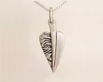Silver Leave pendant with chain, Silver floral leave pendant, Leave pendant silver, Silver leave charm with chain, Leave charm silver.