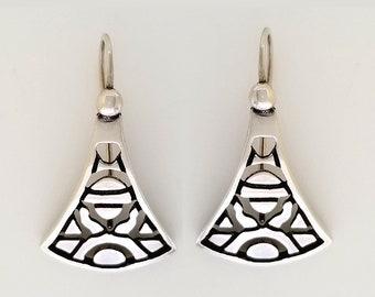 Silver fan shape earrings, Dangling silver sun fan earrings, sun fan silver earrings, Everyday sun fan earrings on wire, art DECO earrings,