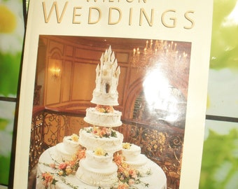 Wilton Cake Decorating Book