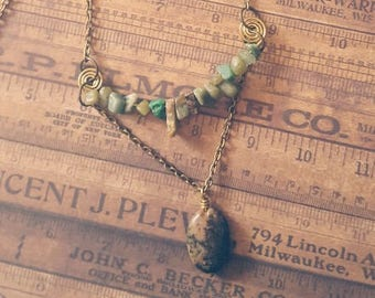 Item 1925 Chips of Jade Necklace
