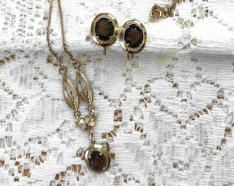 Vintage Amco Gold Filled 120 12K Emerald Green /& Clear  rhinestone Snowflake Screw Back Earrings