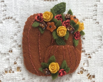 Handmade Orange Felt Two Pumpkins Brooch, Autumn Themed / Fall Themed, Yellow Roses / Red Roses, Flowers / Floral Beads