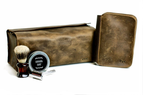 Men s Shaving Gift Set Leather Toiletry Bag and Shaving   Etsy 19fbc79e02